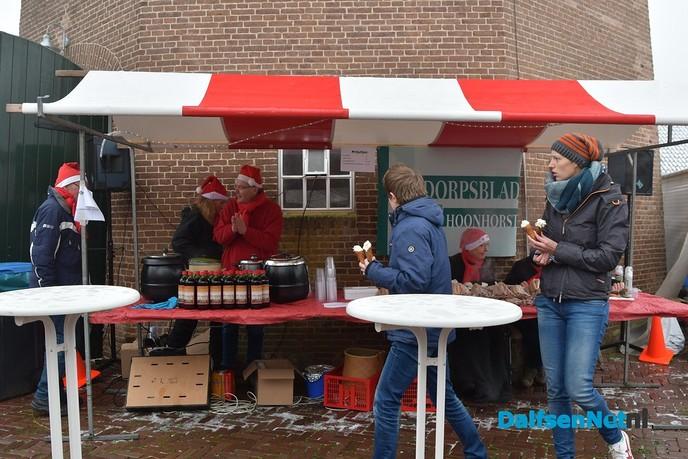 Genieten tijdens Midwinterwandeling en kerstmarkt op Hoonhorst - Foto: Johan Bokma