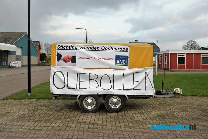 Oliebollenverkoop Stichting Vrienden Oosteuropa - Foto: Johan Bokma
