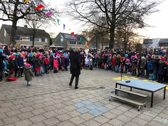 Sinterklaas op basisschool de  Polhaar - Foto: eigen geleverde foto