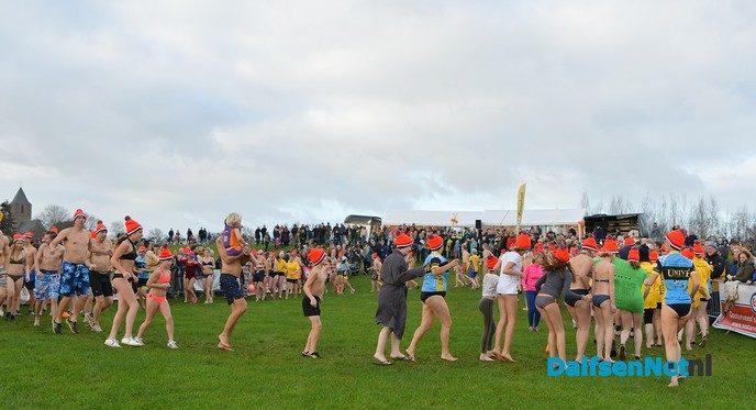 Vijfde editie Nieuwjaarsduik Dalfsen voor ALS weer groot succes! - Foto: Johan Bokma