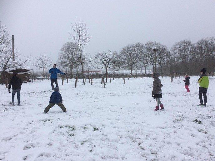 de A. Baron van Dedemschool viert de winter - Foto: eigen geleverde foto