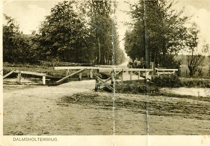 Weerdhuisweg, amper twee boerenwagens breed - Foto: eigen geleverde foto