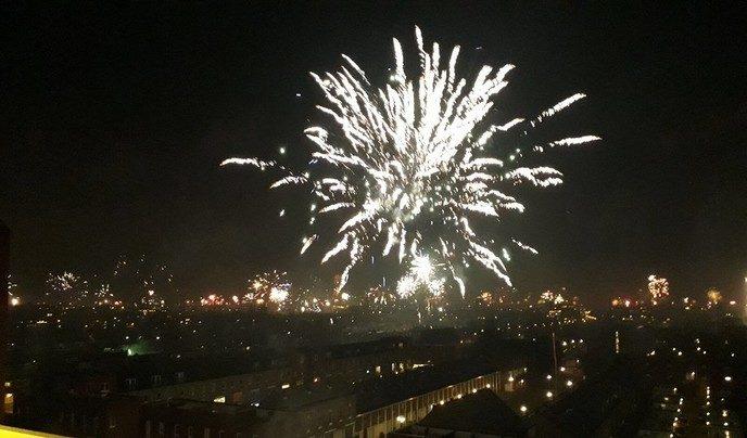 Een licht-glanzend, spetterend nieuwjaar gewenst - Foto: eigen geleverde foto