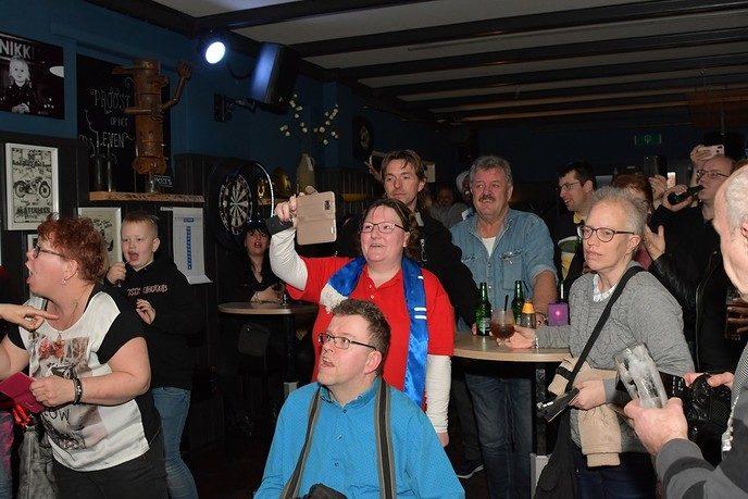 Fans Harten 10 uit het hele land naar Nikki's Dalfsen