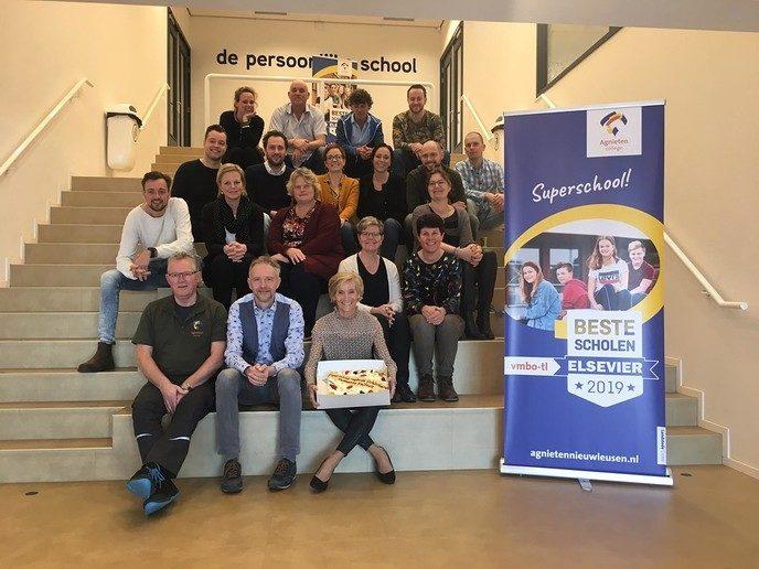Gemeente Dalfsen feliciteert Superschool - Foto: eigen geleverde foto