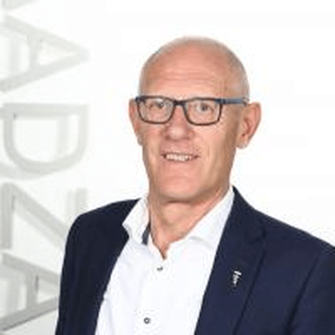 Ab Goeree met pensioen, Henry van der Woude volgt hem op - Foto: Gemeente Dalfsen