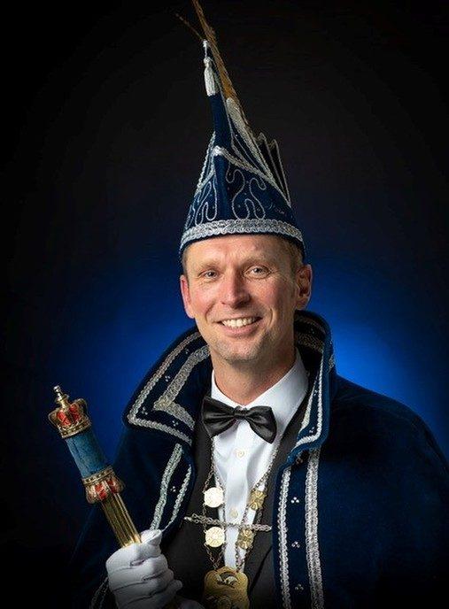 Prins Oetra, Randolf van Oene zwaait de scepter over Sprokkeldorp