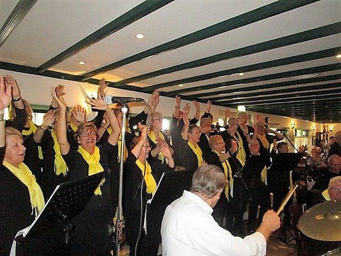 Tweede Paasdag Jonkvrouwen weer in Dalfsen - Foto: eigen geleverde foto