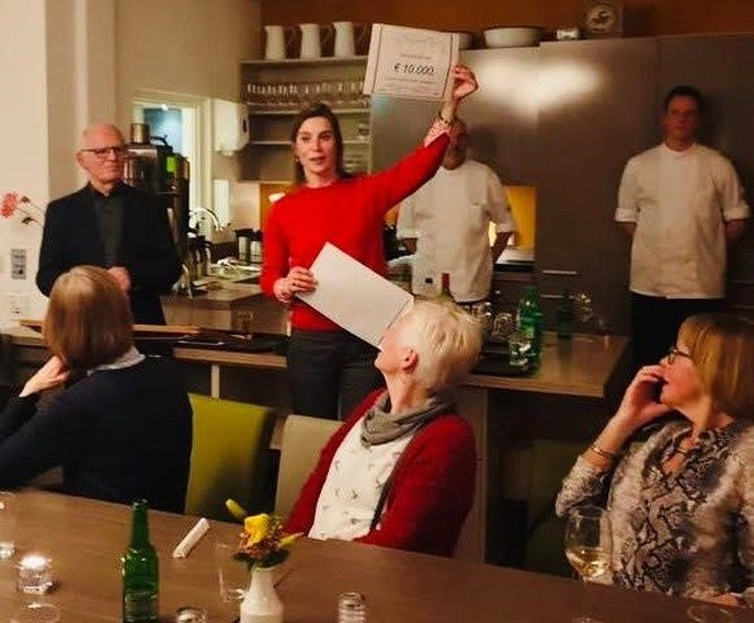 Cheque van € 10.000,- voor de Imminkhoeve - Foto: eigen geleverde foto