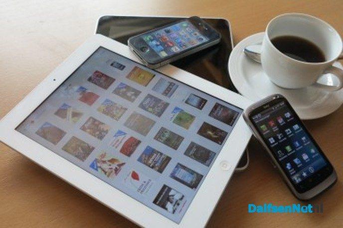 Dingen doen op je tablet - Foto: Ingezonden foto