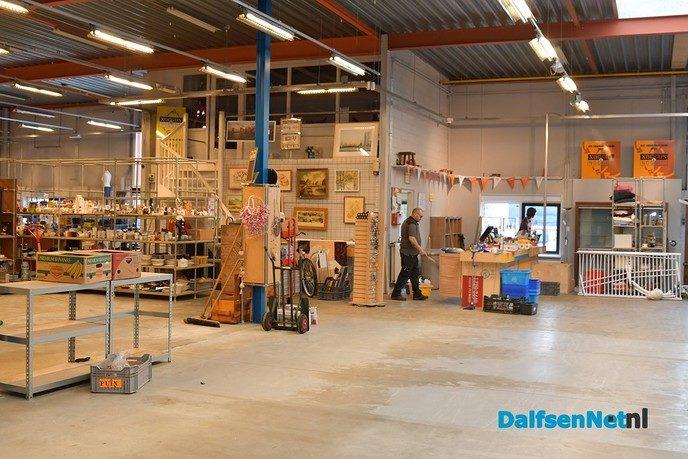 Gerevitaliseerd Noggus & Noggus later open omdat vloer moet drogen - Foto: Johan Bokma