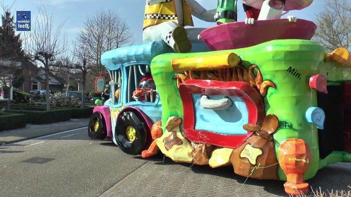 Carnavalsoptocht De Sprokkelaars in beeld