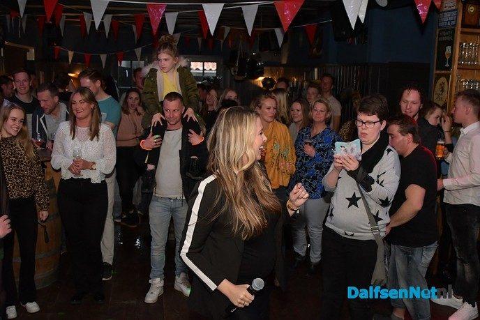 Monique Smit sluit het weekend af bij Nikki's - Foto: Johan Bokma