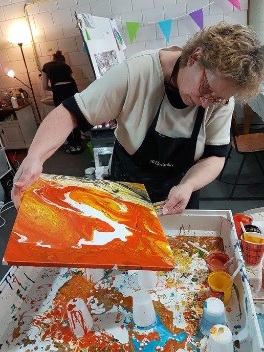 Nieuw en hip: Workshop acryl gieten - Foto: eigen geleverde foto