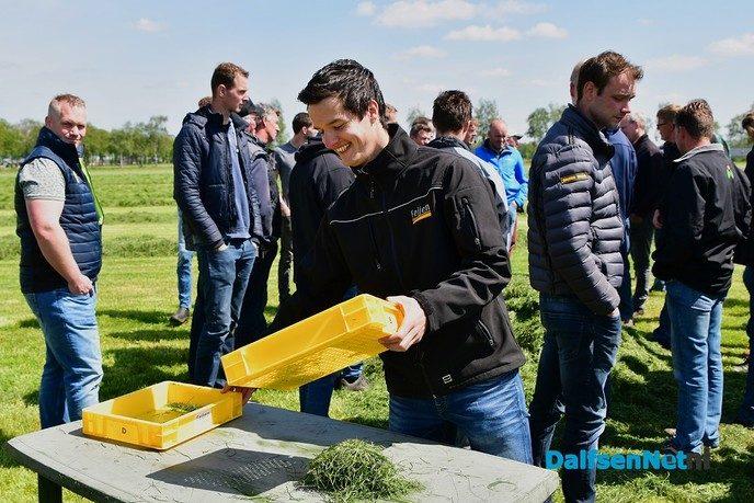 Veldaudit Feijen succes: 50 melkveehouders doken in het gras - Foto: Johan Bokma