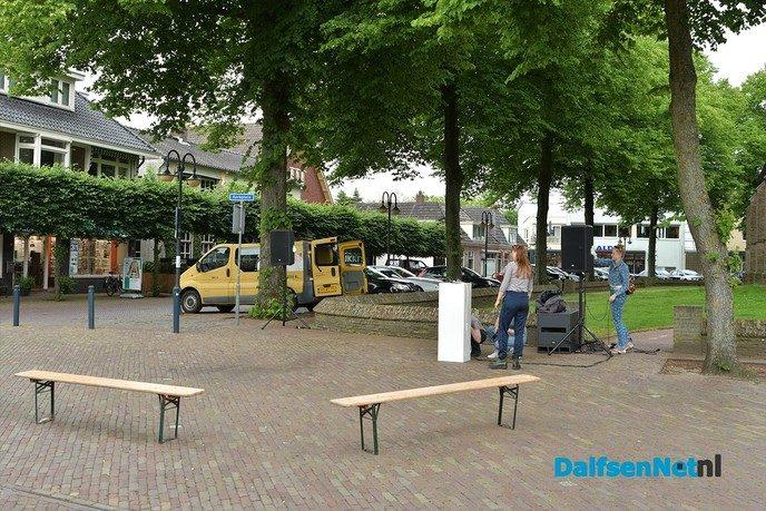 Vanavond Kunsten op Straat in het centrum van Dalfsen - Foto: Johan Bokma