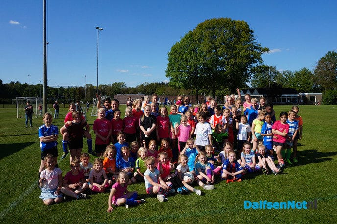 PEC Zwolle bij meiden voetbaldagen FC Dalfsen - Foto: Ingezonden foto