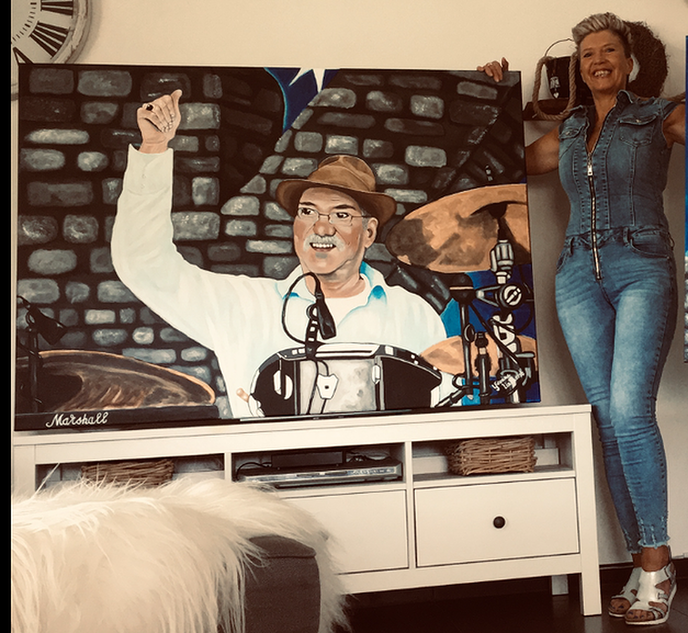 Yvonne heeft schilderij verkocht - Foto: eigen geleverde foto