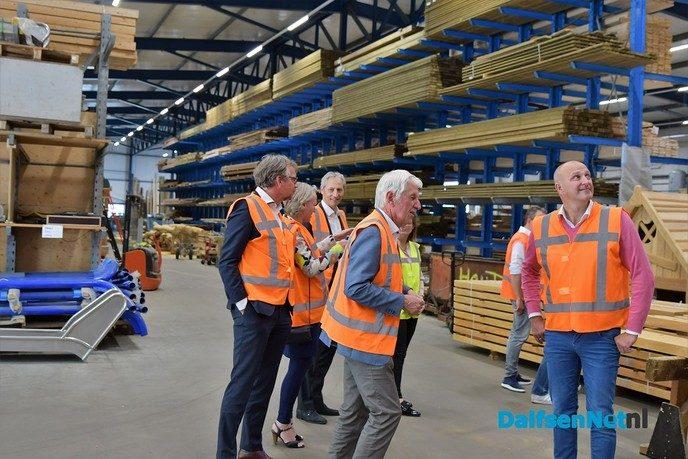 College van B&W bezoekt Foreco Houtproducten - Foto: Johan Bokma