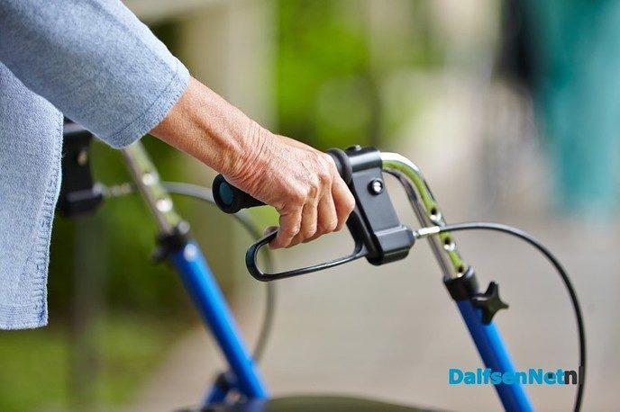 Rollatorwandelen in Nieuwleusen - Foto: Ingezonden foto