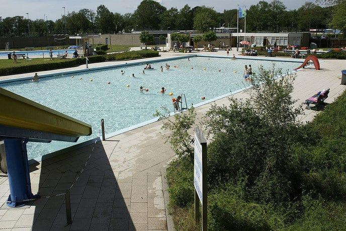 Openluchtzwembaden gemeente Dalfsen zondag eerder open - Foto: Paul Scholten