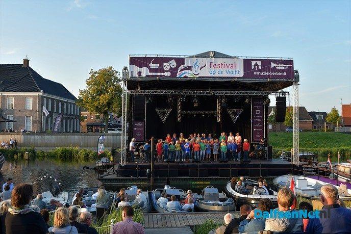 Een weergaloze start voor Festival op de Vecht - Foto: Johan Bokma