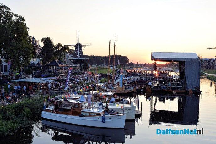 Lustrum editie Festival op de Vecht vaart wel bij drie zomerse dagen - Foto: Johan Bokma