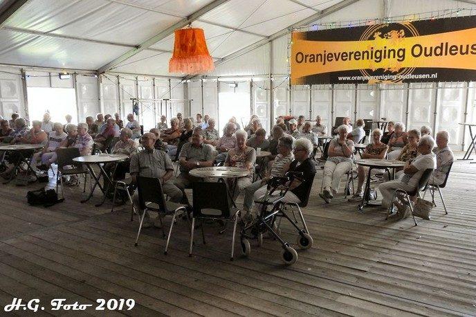 Oranjefeest Oudleusen, donderdag.