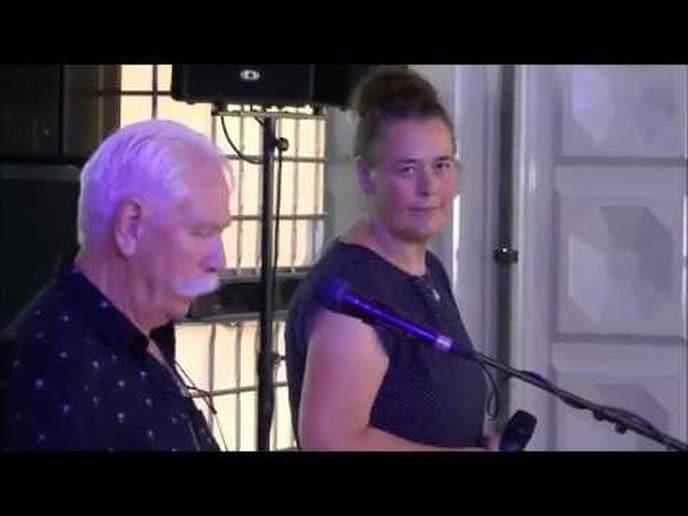 Aalt & Anja Westerman op het Oranjefeest in Oudleusen.