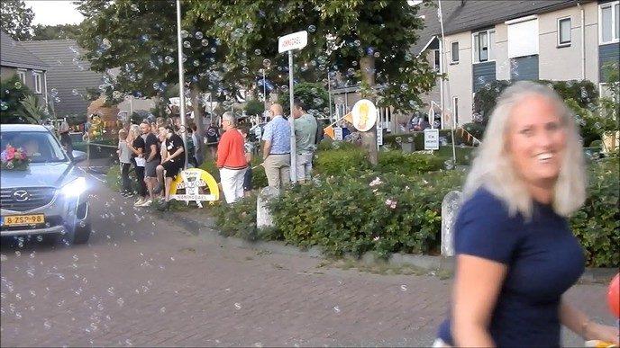 Optocht Oranjefeest Oudleusen (video)
