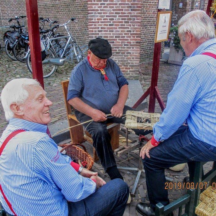 Sallandse Bottermarkt en de Stuwzangers naar Frankrijk - Foto: eigen geleverde foto