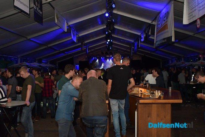 Polonaise feest en sportiviteit op het Maisfeest - Foto: Johan Bokma