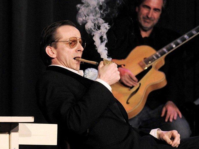 Volle zaal cabaretier Ernest Beuving - Foto: eigen geleverde foto