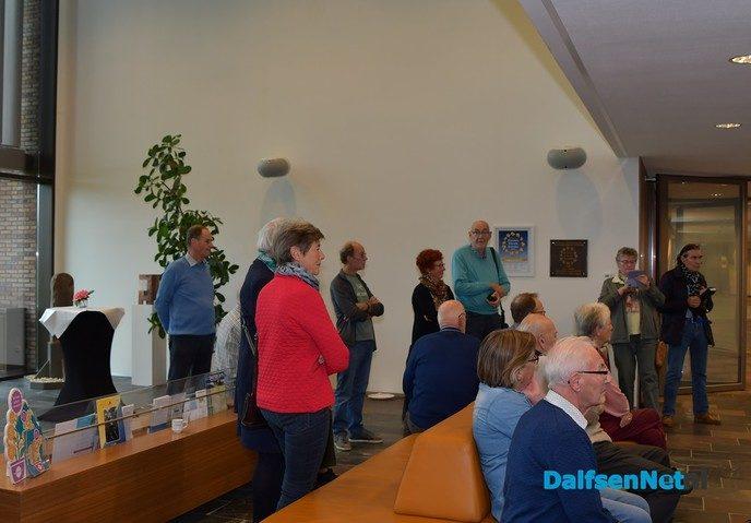 Expositie 60-jarig jubileum fotoclub geopend door burgemeester Erica van Lente - Foto: Johan Bokma