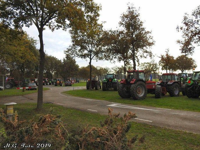 Boeren op weg naar het provinciehuis in Zwolle