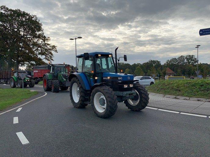 Zeker 150 tractoren vanuit Dalfsen  naar Zwolle - Foto: Ingezonden foto