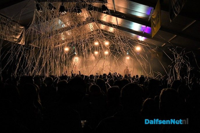 Bakfeest ongekend populair, van-links-naar-rechts en SPRÍNGÛN! - Foto: Johan Bokma