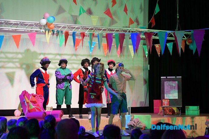 Knotsgekke Sinterklaasshow met Jet & Joep in de Trefkoele Plus - Foto: Johan Bokma
