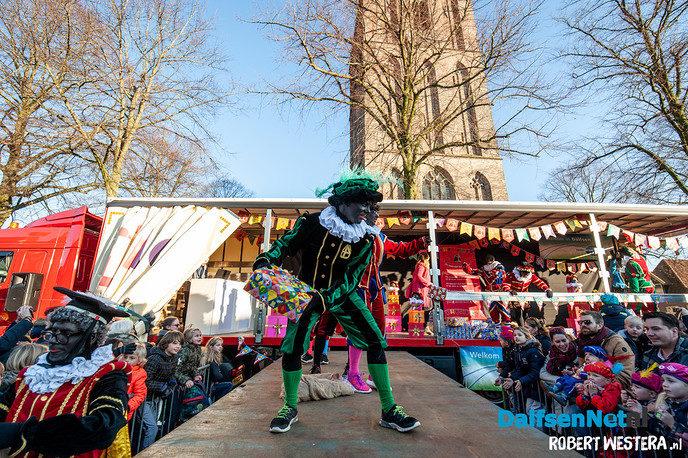 Burgemeeester verwelkomt Sinterklaas en zijn Pieten - Foto: Ingezonden foto