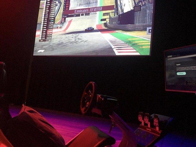 Geslaagde F1-avond in Theater de Stoomfabriek