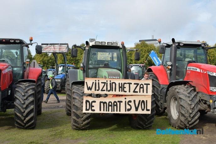 Boerenblokkades distributiecentra van de baan, actievoeren mag wel - Foto: Johan Bokma