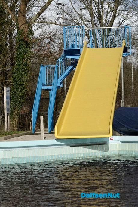 Nieuwe coating glijbaan zwembad Gerner - Foto: Paul Scholten
