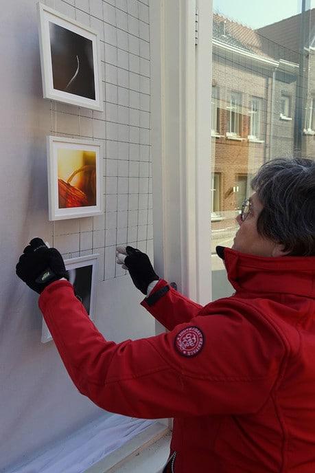 Nieuwe expositie in vitrines AH Dalfsen - Foto: Paul Scholten