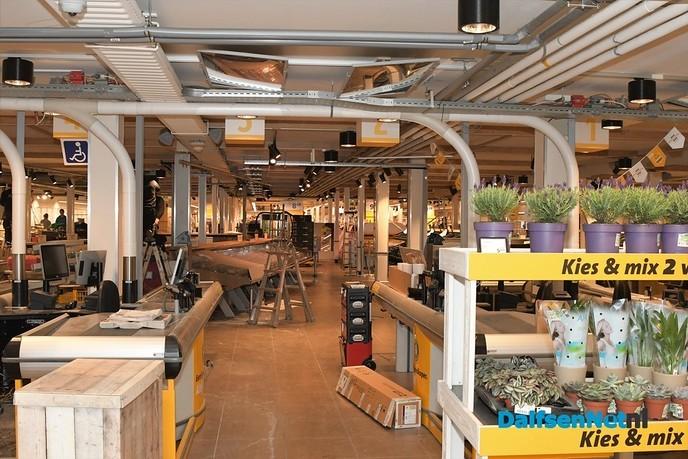 Dag 4 van de verbouwing Jumbo Kamphuis - Foto: Johan Bokma