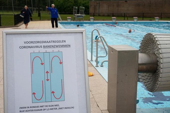 Zwembaden nu echt open - Foto: Paul Scholten
