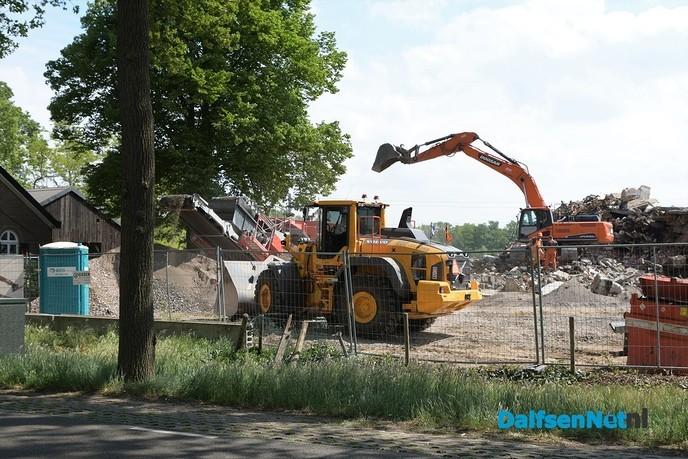 Puin breken op de voormalige locatie Timmerman - Foto: Johan Bokma