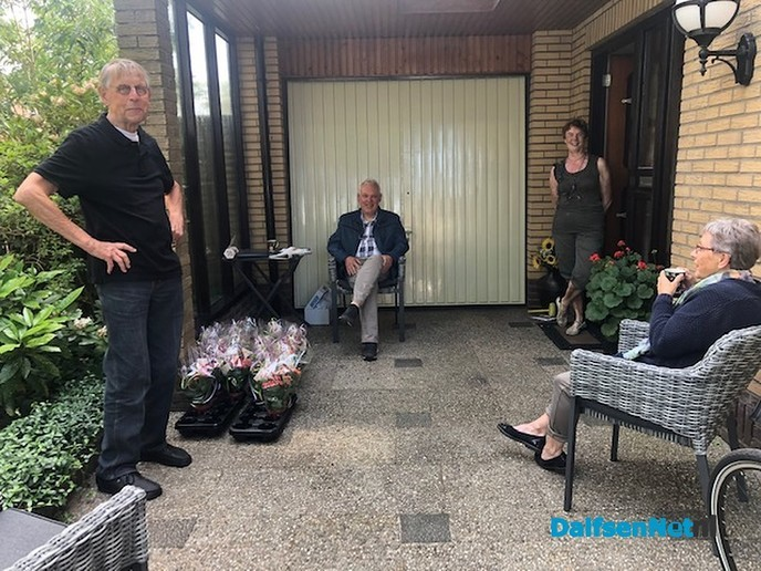 Zonnebloem zet haar gasten in de bloemetjes - Foto: Ingezonden foto