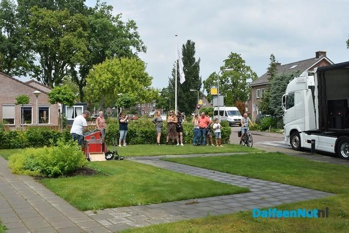 De band Discover verrast bewoners en personeel Zorgcentrum Rosengaerde - Foto: Johan Bokma