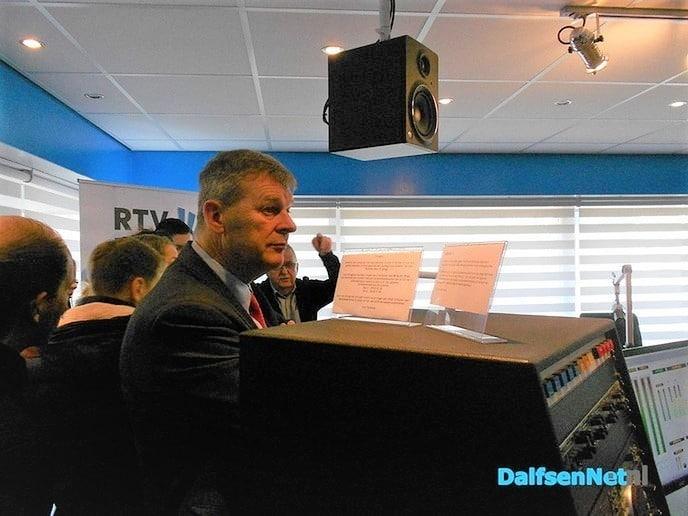 Burgemeester Klaas Agricola op stage