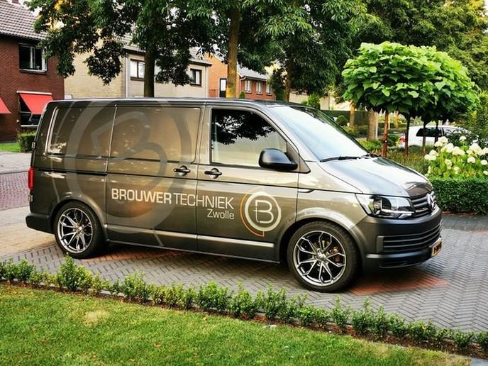 Volkswagen Transporter weggenomen - Foto: Politie